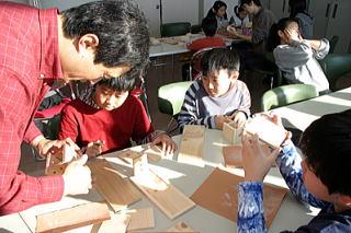 小学生冬休み木工教室の様子 : 冬休みの作品 小学生 : 小学生